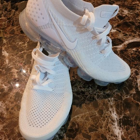 Nike VaporMax Flynit Tennis Shoes